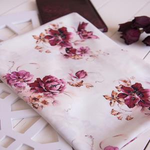 کرپ حریر گلدار زرشکی زمینه سفید
