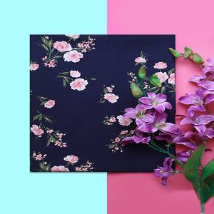 کرپ نخ سورمه ای گلدار